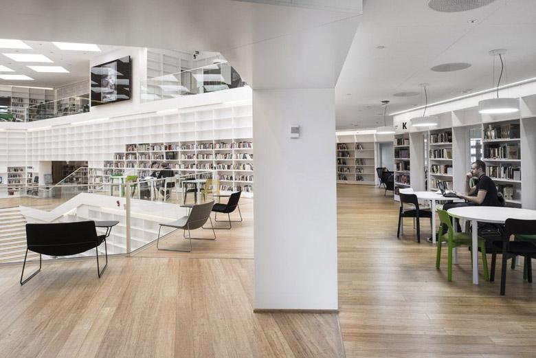 知识的螺旋体 瑞典dalarna媒体图书馆设计