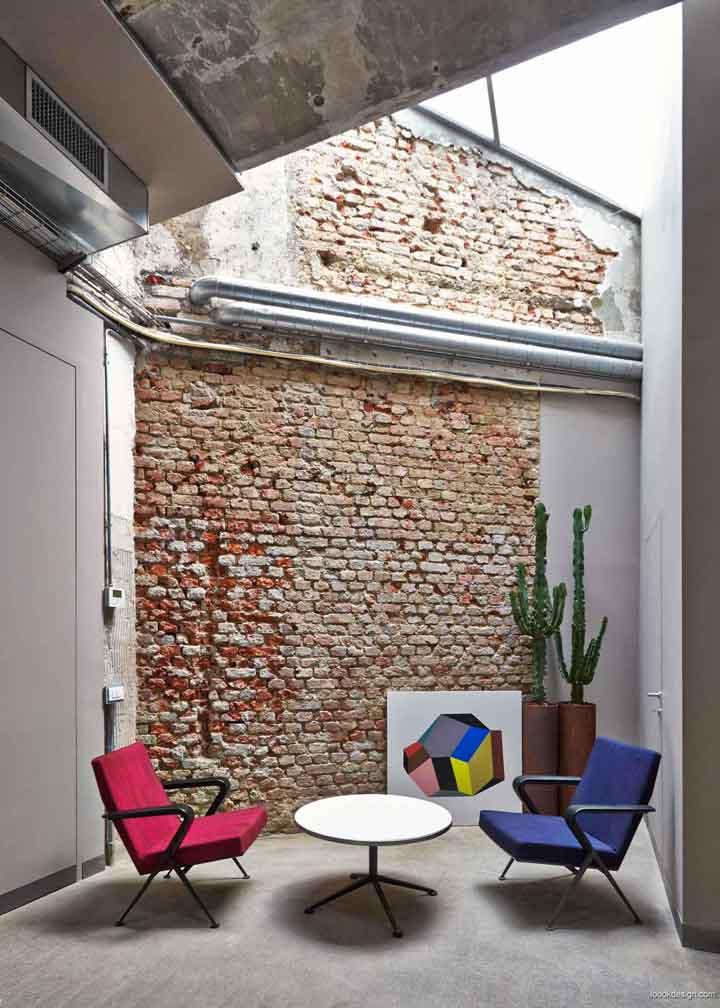 工业产品中的图案设计复古房子