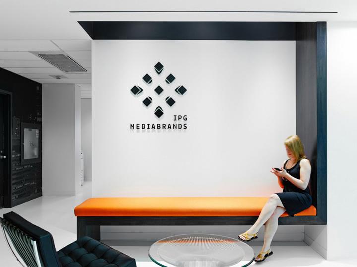 摩登黑白 Mediabrands盟博广告多伦多办公设计欣赏