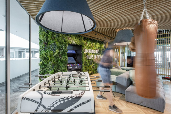 幸福空间 科技公司HELIS立陶宛考纳斯办公设计欣赏