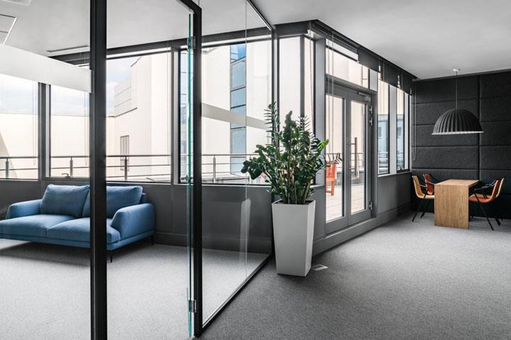 借景入室 波兰TBSC数字营销集团弗罗茨瓦夫办公设计欣赏