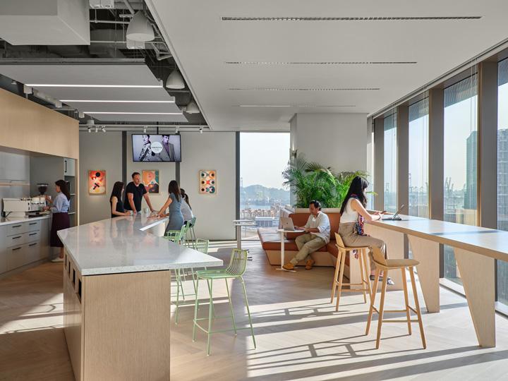 再现欧洲小镇活力 科技公司Zendesk新加坡办公设计欣赏